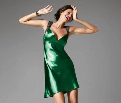 Rochii elegante in culori uni pentru Revellion 2013