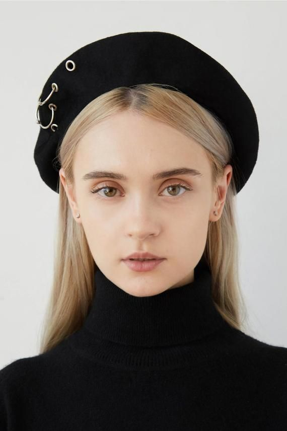 05a50a28e1e20 ZENIA Black cashmere beret with eyelets and rings