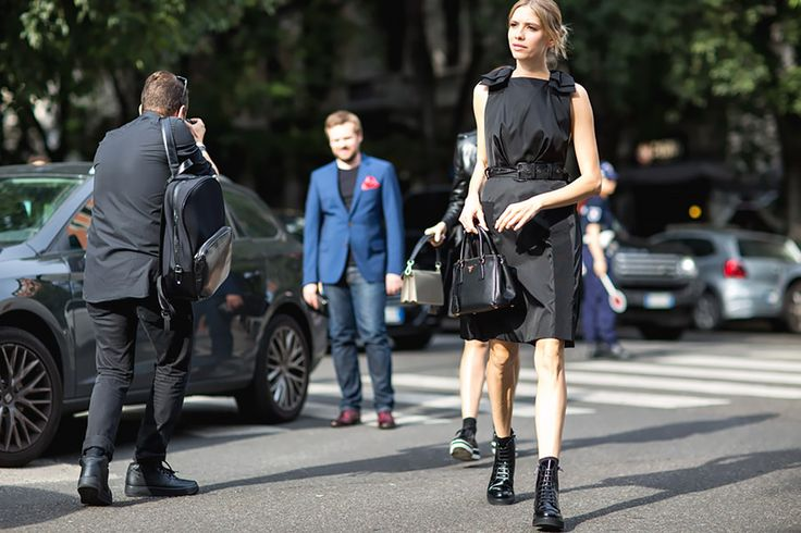 Италия до последнего борется за классическую женственность: юбки, каблуки и яркие аксессуары