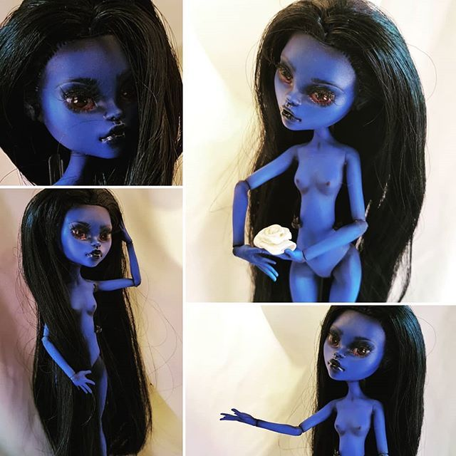 She is not easy to get photos of! Despite the problems with sealant and chipping causing some minor issues in a few places I'm still pretty happy. Next the outfit!  #ooak #ooakdoll #ooakmonsterhigh #comission #changeling #character #wip #faceup #janeboolittle #monsterhigh #mhdoll #roleplaying #artdoll #characterdesign