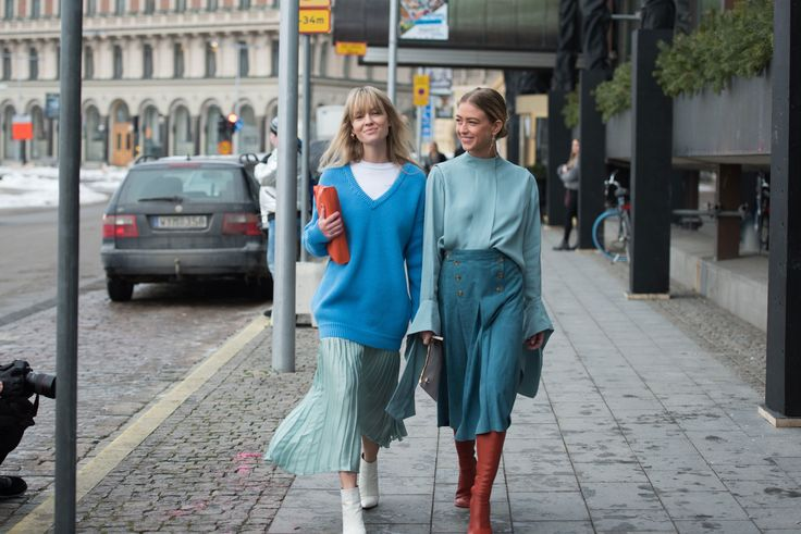 two tins of blue /The Best Stockholm Street Style Photos of Fall 2018