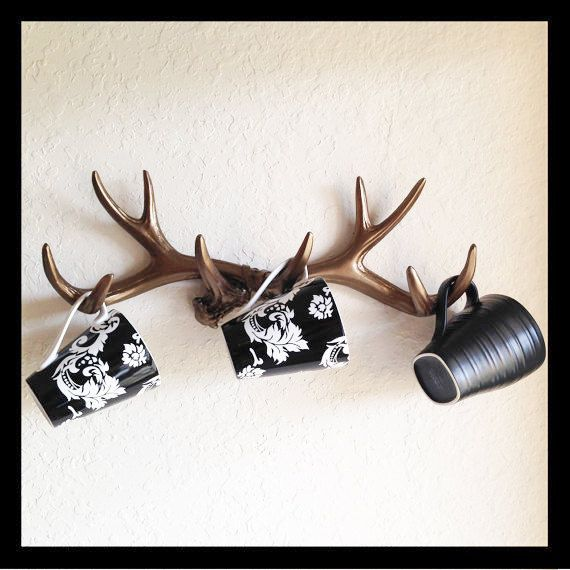 18 Awesome Antler Decorating Ideas {# 6 and #17...Swoon!} | How Does She