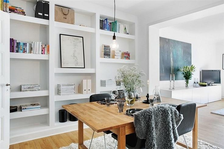 nice inbuilt bookshelf