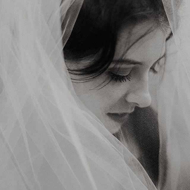 A beautiful bride with a full veil wrapping around her face makes for some beautiful photos.   #wedding #canada #winterweddings #bridalportrait #bride #winnipegweddings #inspiraiton #weddinggown #blfstudios #weddingtips