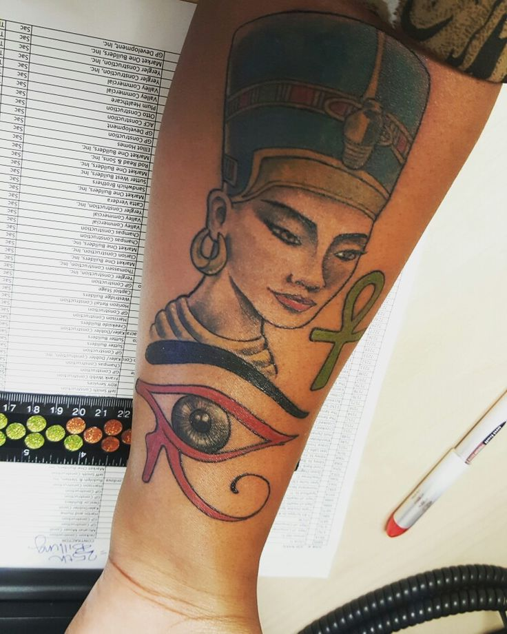Fresh Ink.. Queen Nefertiti, The Eye of Horus, and the Ahnk. Im so in love with her…  #WomanOfPower #Protection #EternalLife