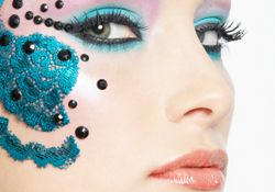 Artistic makeup with lace and Strass - SLA Makeup