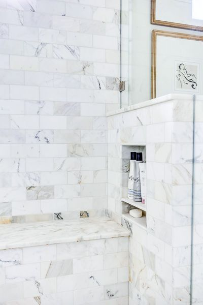 shower half wall with niche for shampoo