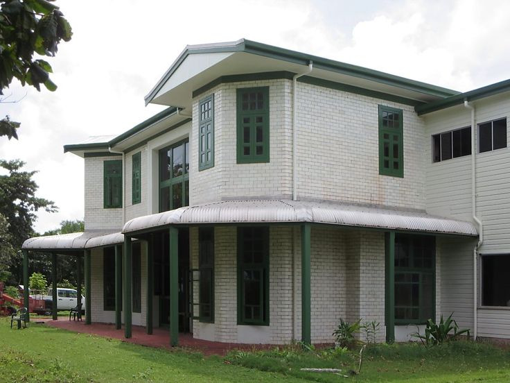 The ancestral home of the Clunies-Ross family, Oceania House (1893) on Home Island, Cocos (Keeling) Islands, was built using white-faced bricks imported from Glasgow, Scotland.