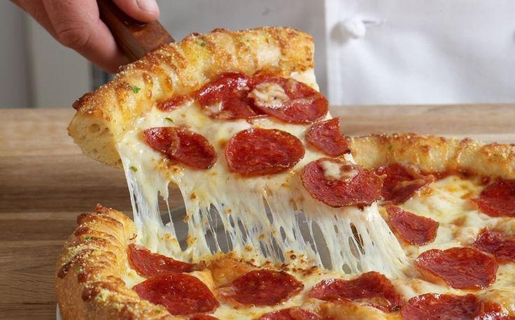 Pizza con salami-