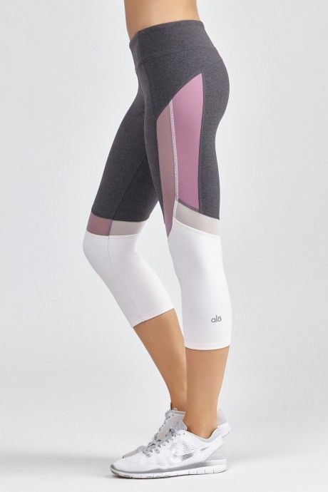 With workout pants for women from DICK'S Sporting Goods, you'll have the perfect apparel for your trip to the gym. Browse women's athletic pants from top brands today.