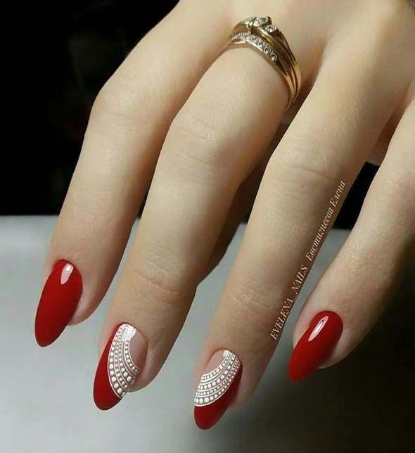 Nette Nagelkunst-Ideen für eine rote Maniküre