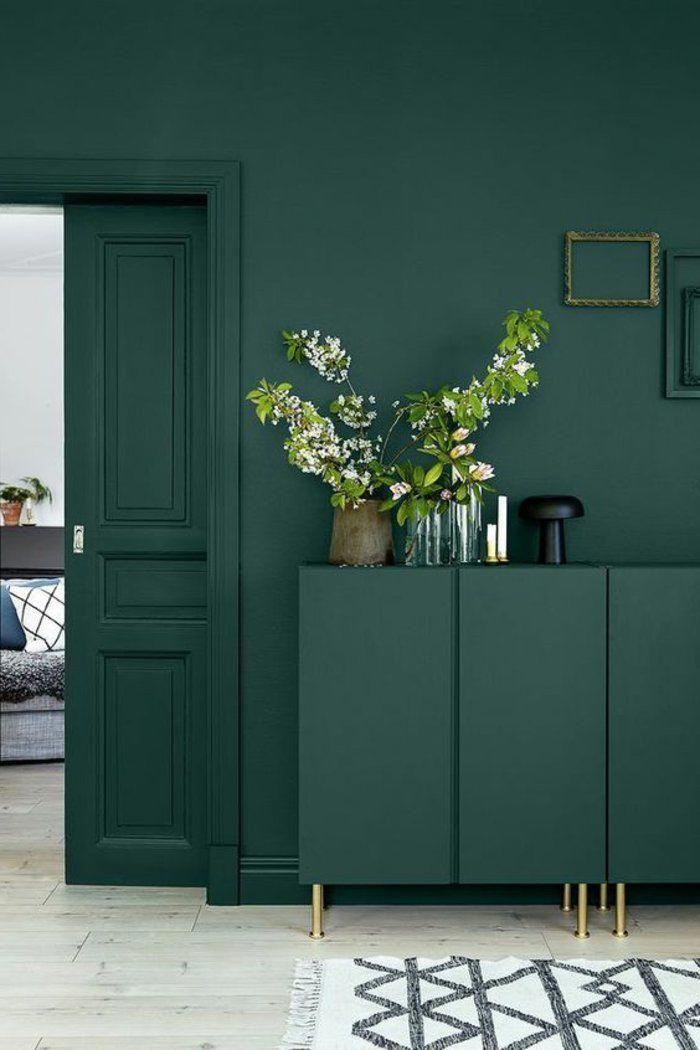Peinture Glycero Verte Decoration Avec Des Fleurs Tapis En Noir