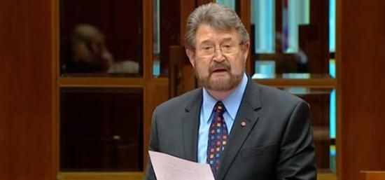 Derryn Hinch exposes paedophiles' names in maiden speech