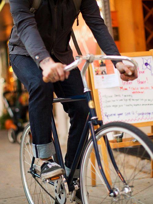 Selvage riding denim från Upright Cyclist är ett par herrjeans anpassade för cyklister.