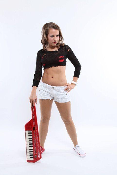 Ali Spagnola - Musician + Artist