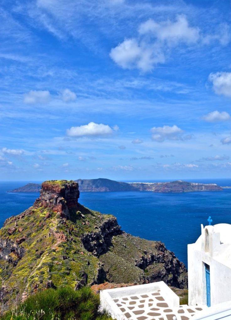 Imerovigli village, Santorini island, Greece - Selected by www.oiamansion.com