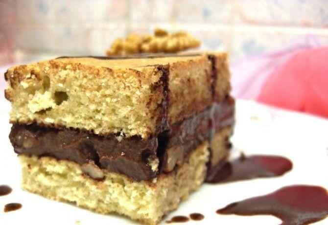 Diós csokikrémmel töltött vaníliás piskóta
