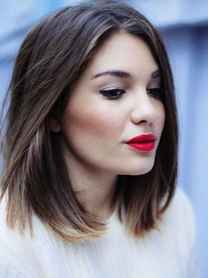 Coupe de cheveux femme 2017 visage rond - http://lookvisage.ru/coupe-de-cheveux-femme-2017-visage-rond/ #Cheveux #Beauté #tendances #conseils