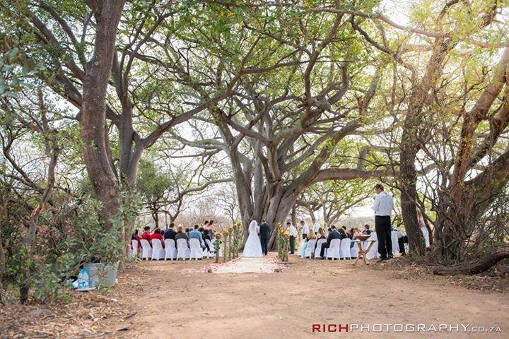 Safari Weddings at Kuthaba Bush Lodge #Safari #Weddings