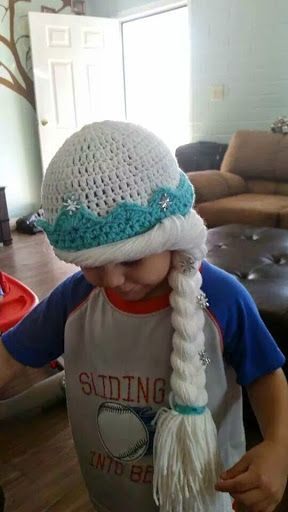 children tangled in yarn: Elsa inspired hat (fits 3-4 years old)