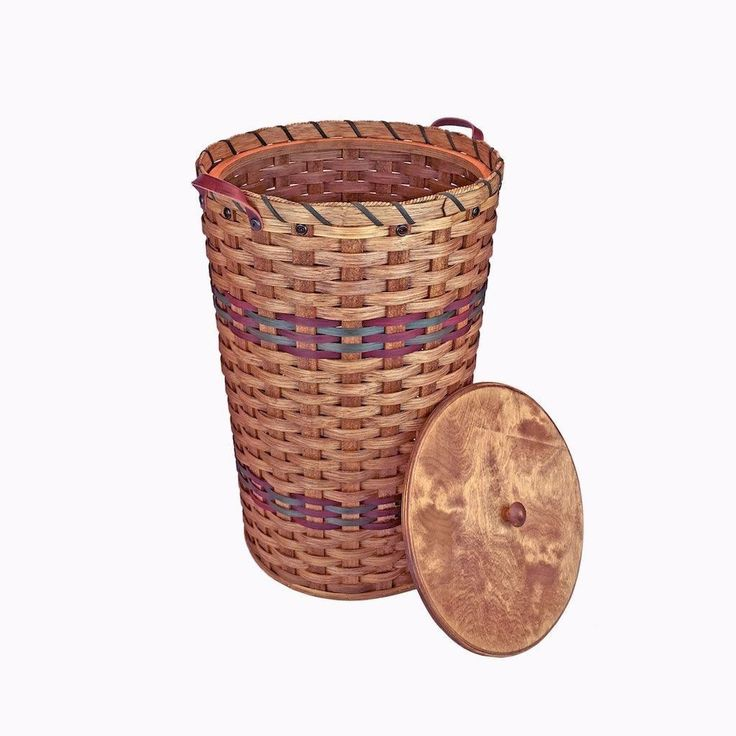 Amish Made Handwoven Medium Round Wicker Hamper with Lid