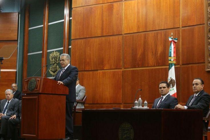 Marco Antonio Flores Negrete, titular del Poder Judicial de Michoacán, rindió su informe de actividades 2016, en el destacó la resolución de 88 mil 674 controversias y diversos logros en ...