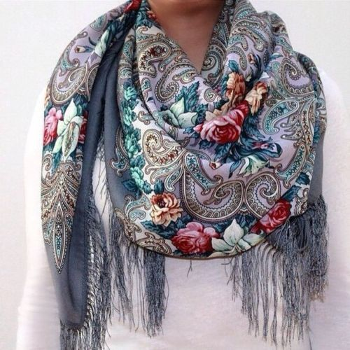 "Russian Pavlovo Posad shawl scarf 125 x 125cm(49x49"") (NOT A FAKE SIZE 120cm)100% wool, 100% silk fringe                                                                                          A LA RUSSE"