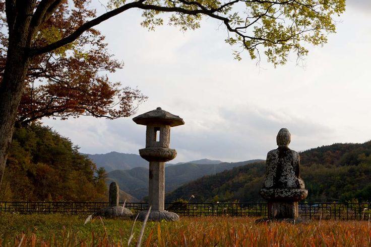 백암리 석등, A Stone Lantern and a Buddha in Baekam-Ri, South Korea, Artifacts of Shilla Period  경남 합천군 대양면 백암리 석등, 보물 제381호