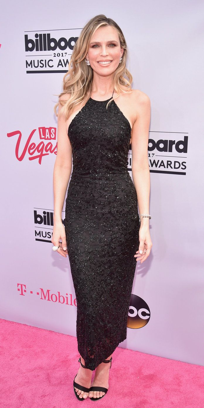 See Your Favorite Stars On The 2017 Billboard Music Awards Red Carpet Billboard Music Awards Red Carpet Billboard Music Awards 2017 Fashion