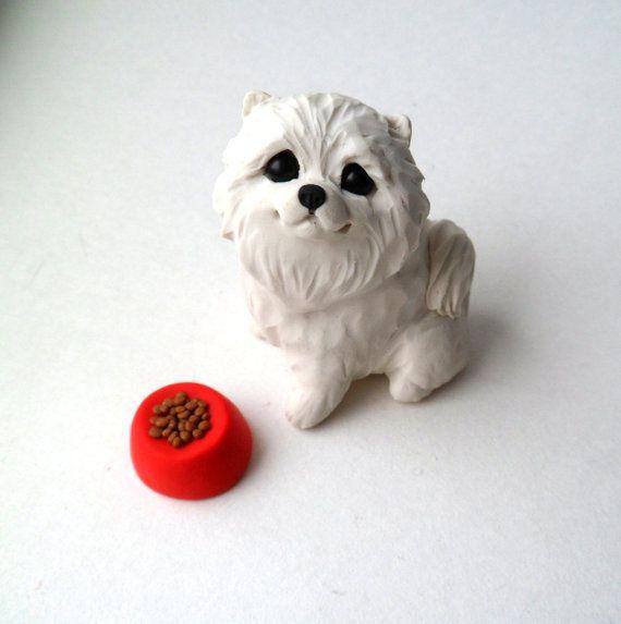 Tiempo de chow Pomerania blanca escultura Mini de arcilla de polímero por Raquel en theWRC perro coleccionables