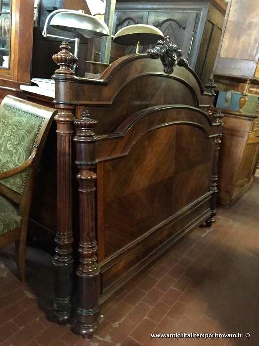 Mobili antichi - Mobili vari Antico letto a due piazze in palissandro - Antico letto francese matrimoniale con cimasa Immagine n°1