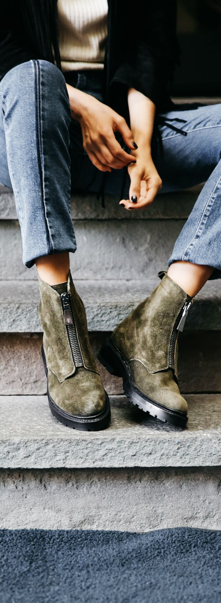 Julie Front Zip Boots | The Frye Company