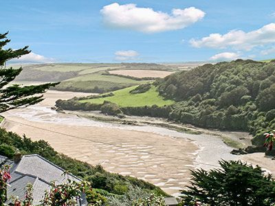 #GannelEstuary #Newquay #Cornwall  This large and spacious detached holiday home with heated outdoor swimming pool, sits alongside the Gannel Estuary, an AONB, home to sea birds and fish. It provides a beautiful spot for walks along its banks, or try kayaking along its tranquil tidal waters.  http://www.chooseacottage.co.uk/cwa/tynings-27301