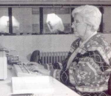 CONCEPCIÓN LLAGUNO  (Madrid, 1925). Doctora en Ciencias y profesora de investigación del CSIC en el Instituto de Fermentaciones Industriales. Las fermentaciones, y en particular la alcohólica y acética ocuparon gran parte de sus estudios. Introdujo la cromatografía de gases para estudiar el aroma de los vinos. Lllevó a cabo nuevas técnicas  de análisis de los alimentos, convirtiénsose en una especialidad académica, siendo el origen de una escuela de investigación  de la que ella misma fue…