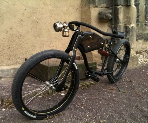 #Custom bicycles with an oil lamp!