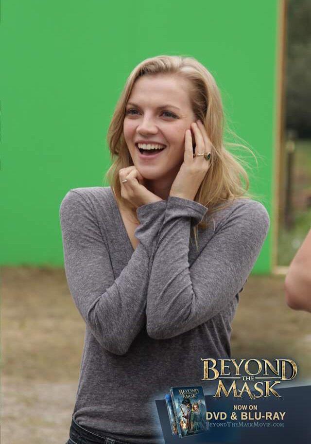 Kara Killmer • Charlotte Holloway•behind the scenes-Beyond the Mask