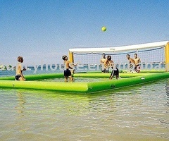water volleyball... i would LOVE this.: Water Volleyball, Buckets Lists, This Is Awesome, Beach Volleyball, Volleyball Court, Volleyb Court, Beaches Volleyball, Floating Beaches, So Cool