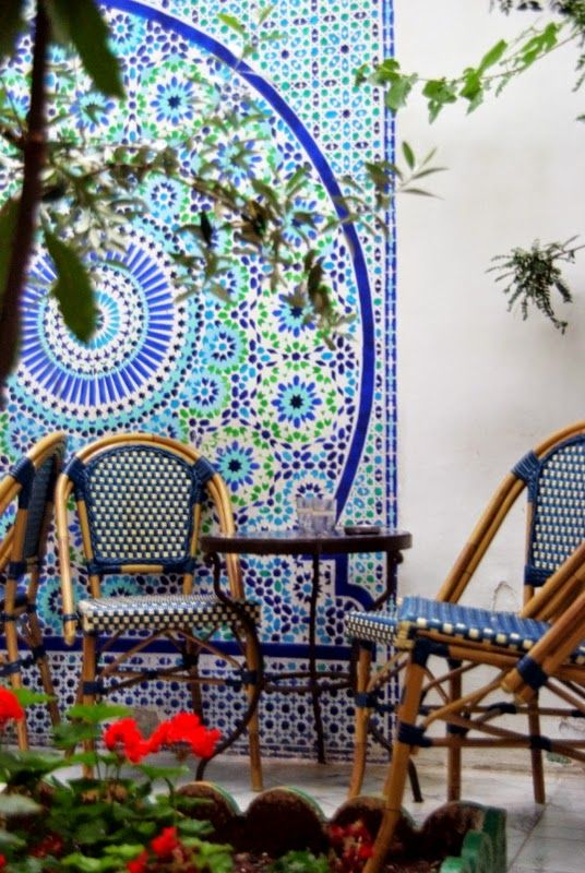 The cafe of the Grande Mosquée de Paris ~ after viewing the beautiful architecture and gardens of the mosque, visit the cafe for the city's best Arabic deserts and mint tea ~             http://www.timeout.com/paris/en/things-to-do/attractions/la-grande-mosquee-de-paris