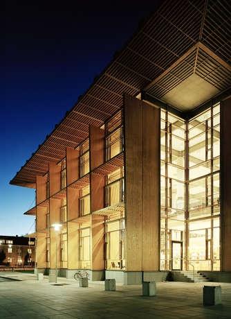 Mälardalens Högskola bibliotek University library Västerås / White Arkitekter