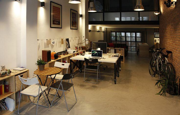 Merhaba Pazartesi Graphic Design Office Istanbul / Turkey