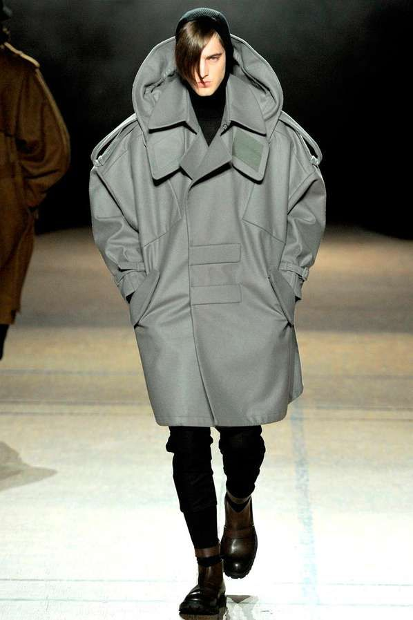 Oversized Menswear Looks - Juun J Fall/Winter 2012 Collection Offers Futurism in Big Proportions