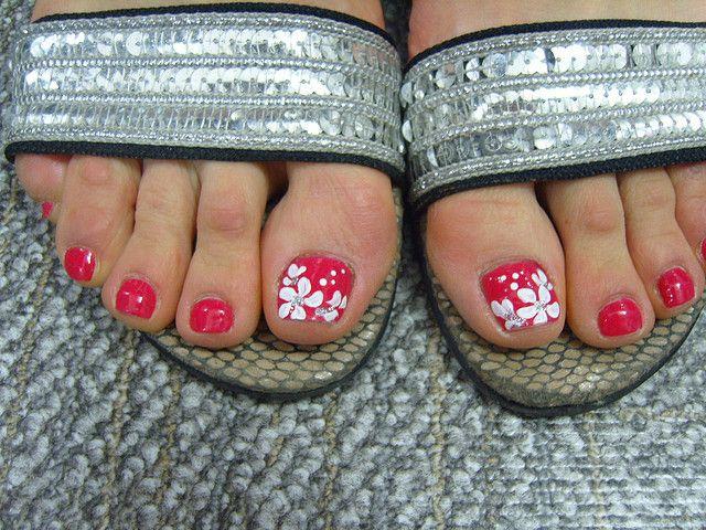 Toenail Designs: Colorful designs for toenails