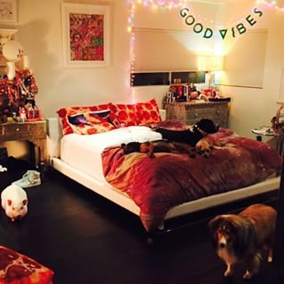 So here it is, Miley Cyrus' bedroom. Take a peak, look around. Please, make yourself at home. | 25 Random Objects In Miley Cyrus' Bedroom