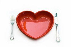 Si tienes el colesterol elevado o hipercolesterolemia, aquí tienes un artículo y un vídeo en el que te contamos cómo dismunuirlo con la dieta. http://www.alimmenta.com/dietas/colesterol-elevado-hipercolesterolemia/