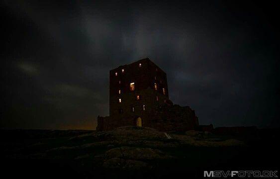 Hammershus by night