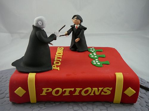 113 Best Images About Harry Potter Cake On Pinterest