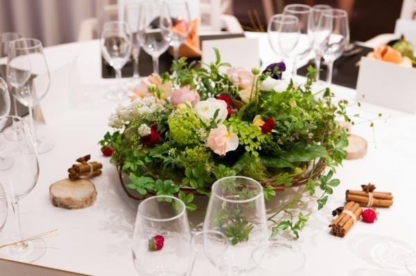 画像 : 森の中の結婚式みたいな【ナチュラルテーブルコーディネート】特集 - NAVER まとめ