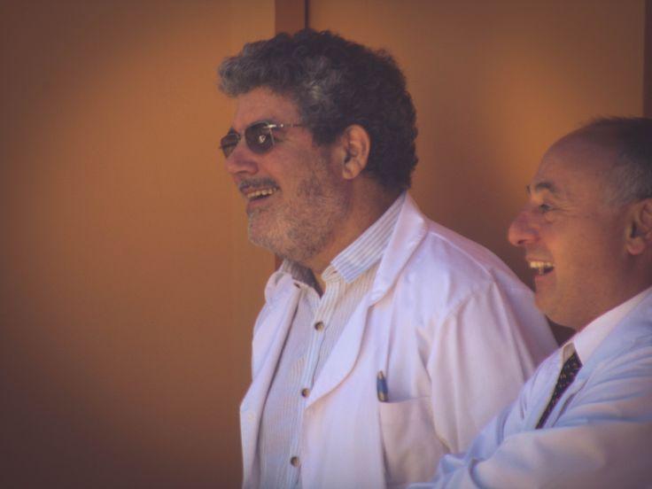 """Lic. Ángel Orbea y Dr. Martín Modaffari. Centro de Día de Salud Mental Alicia """"Tita"""" Brivio. Cierre de año con la muestra de las actividades y talleres, con la presencia de los pacientes, familiares, profesionales y autoridades municipales."""