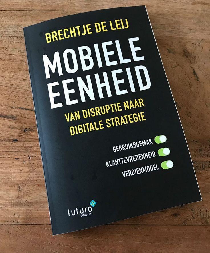 """Leuke foto van Guido ontvangen van het boek 'Mobiele Eenheid': """"Ik ben benieuwd Brechtje de Leij"""". Heel veel leesplezier Guido! #mobieleeenheid #brechtjedeleij #futurouitgevers"""