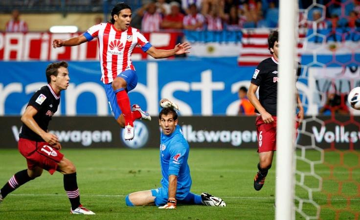 El primero del 'Tigre' frente al Athletic, excelente definición #Falcao #AtleticoMadrid #atleti